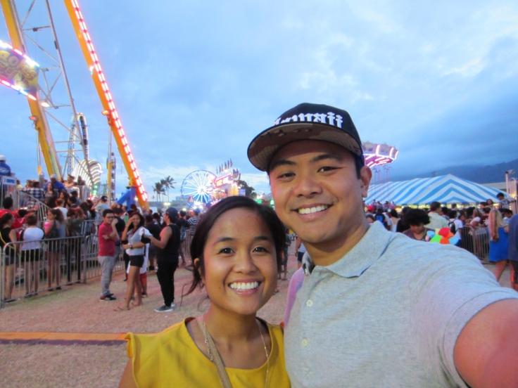 maui fair_amusement rides_colorful lights_49fifty_happy couple